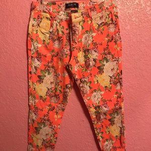Denim - Flower pattern Jeans